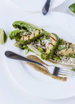 b2ap3_thumbnail_burnt-romaine-salad-with-tomatillos-grilled-avocado-cotija-cheese-11.jpg