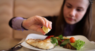 Empowering Food Allergic Teens to Dine Out