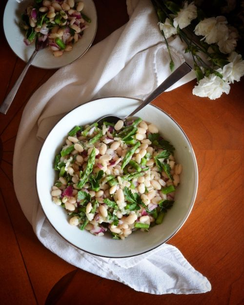 White Bean Salad with Asparagus