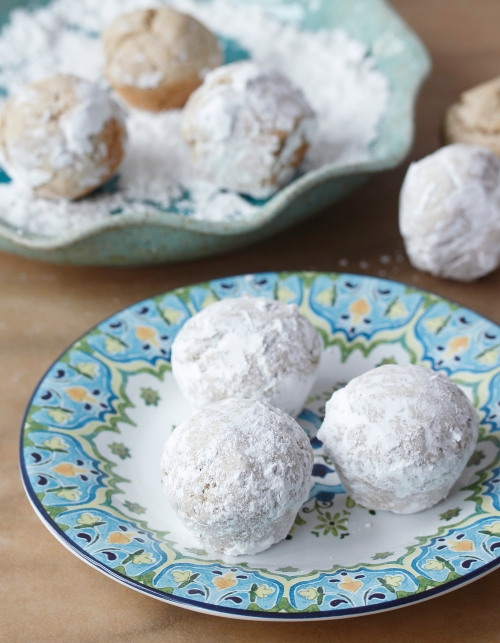 Powdered Doughnut Holes