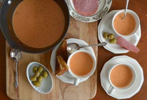 Old Fashioned Creamy Tomato Soup
